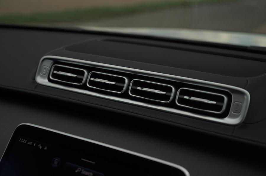 12 Mercedes Classe S S400d 2021 UE FD bouches d'aération