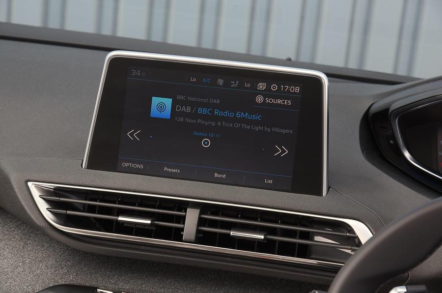 Peugeot 5008 2018 long-term review infotainment