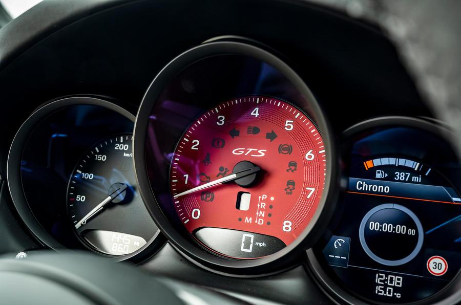 12 Porsche Macan GTS 2021 UE LHD instruments de premier essai