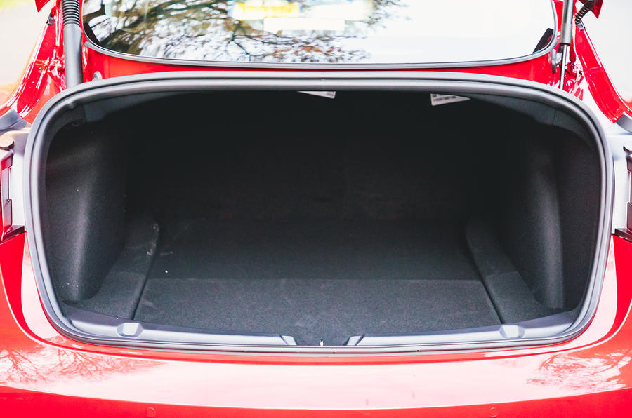 Tesla Model 3 Standard plus 2020 UK first drive review - boot