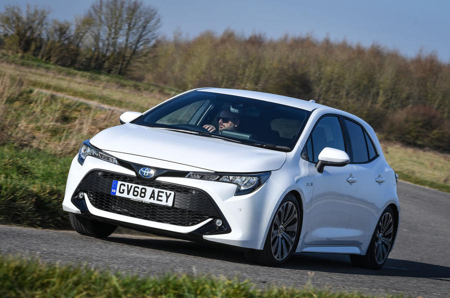 Toyota Corolla hatchback 1.8 hybrid 2019 UK review - on the road front