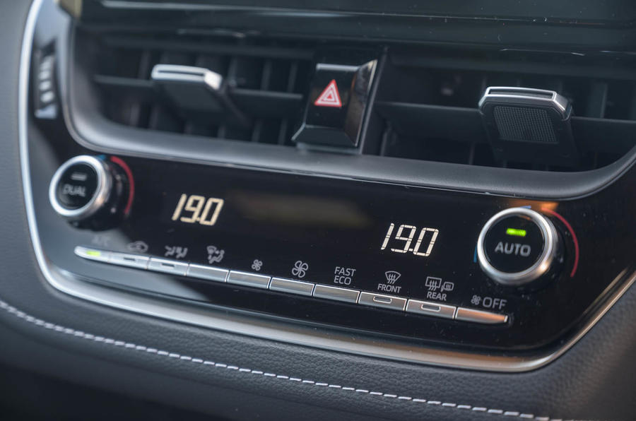 Toyota Corolla Trek 2020 UK first drive review - climate controls