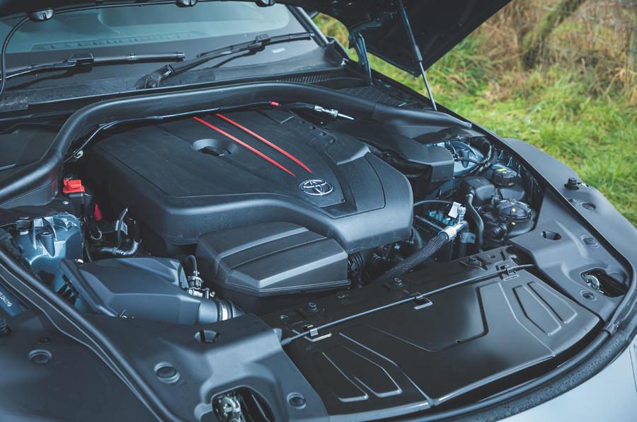 12 Toyota GR Supra 2 litres 2021 : premier moteur d'examen de conduite au Royaume-Uni