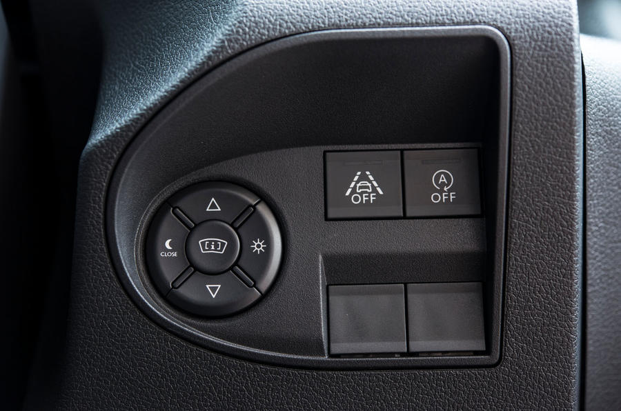Vauxhall Combo Life 2018 UK first drive review instrument cluster controls