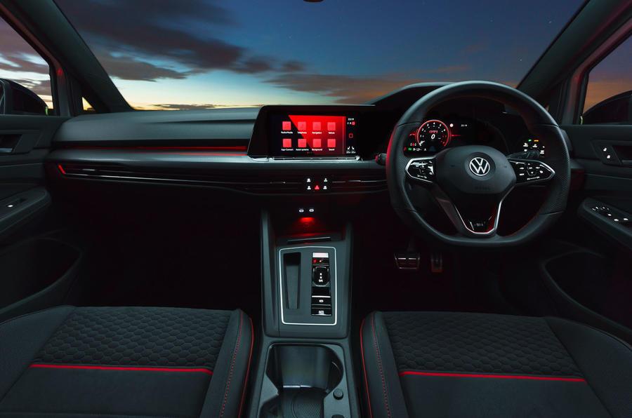 12 Tableau de bord de la Volkswagen Golf GTI Clubsport 45 2021 UE FD
