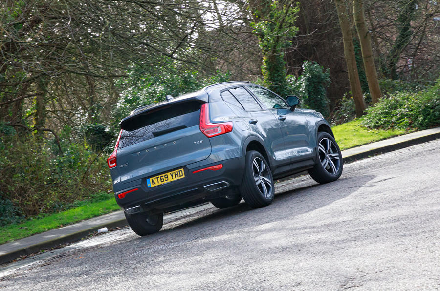 Volvo XC40 Recharge T5 plug-in hybrid 2020 UK first drive review - on the road rear