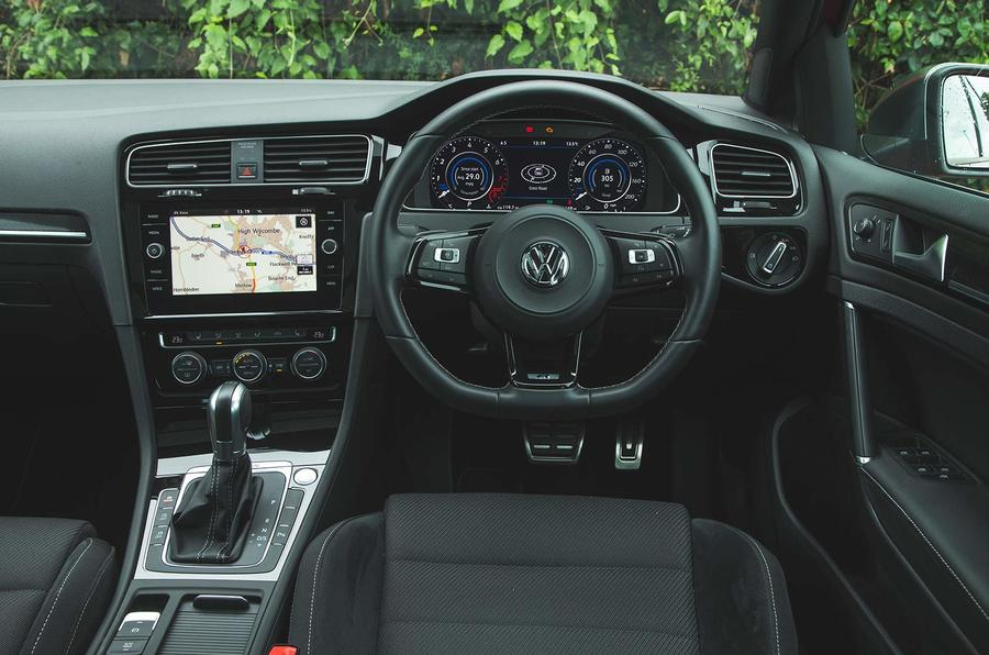 Volkswagen Golf R Estate performance pack 2018 UK review dashboard