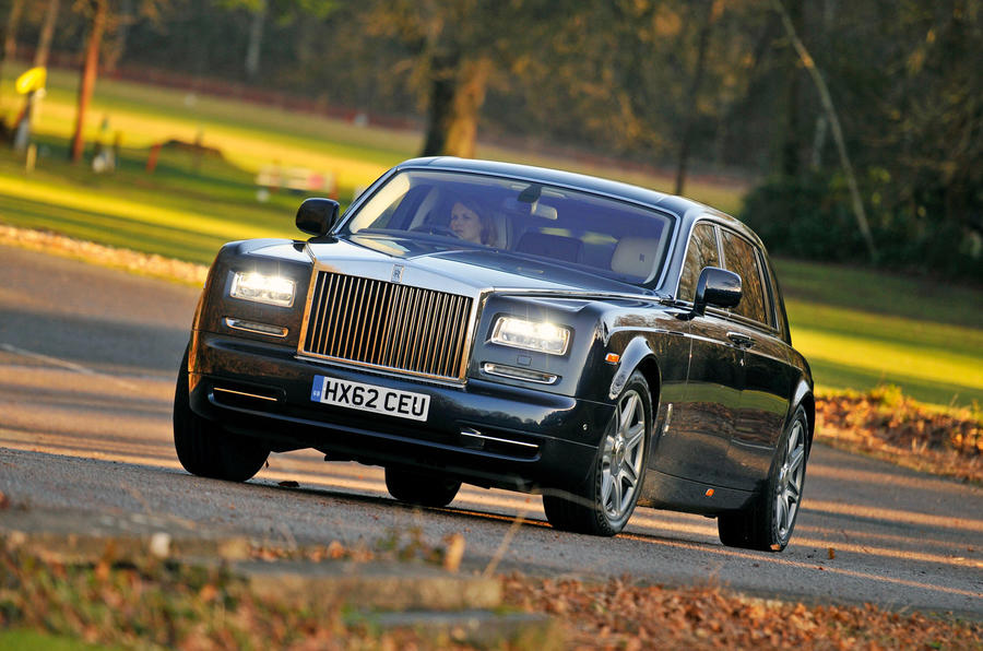 Rolls-Royce Phantom - tracking front
