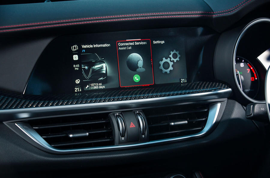 Alfa Romeo Stelvio Quadrifoglio 2020 : premier bilan de conduite au Royaume-Uni - infotainment