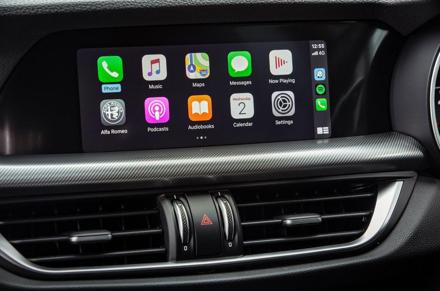 Alfa Romeo Stelvio Sprint 2020 : premier bilan de conduite au Royaume-Uni - infotainment