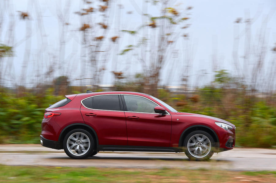 Alfa Romeo Stelvio Ti 2019 first drive review - on the road side