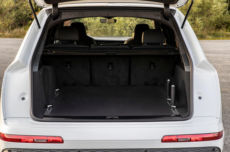 Audi Q7 TFSI e 2019 first drive review - boot