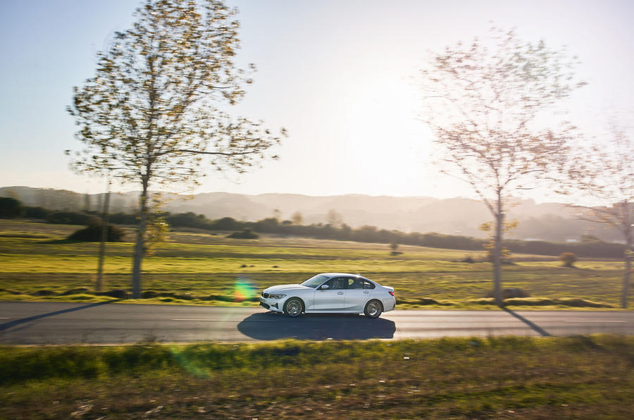 BMW 3 Series 320d Sport Line 2019 first drive review - on the road side
