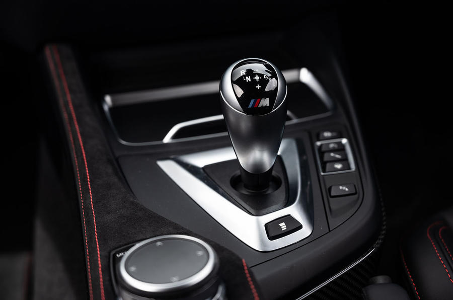 BMW M2 CS 2020 UK first drive review - gearstick