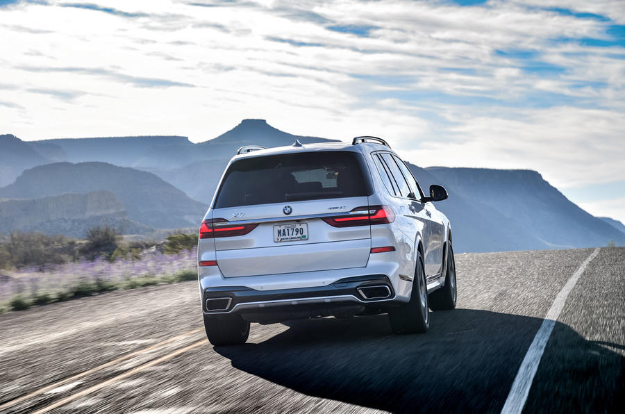BMW X7 M50i 2020 : premier bilan de conduite - suivi de l'arrière