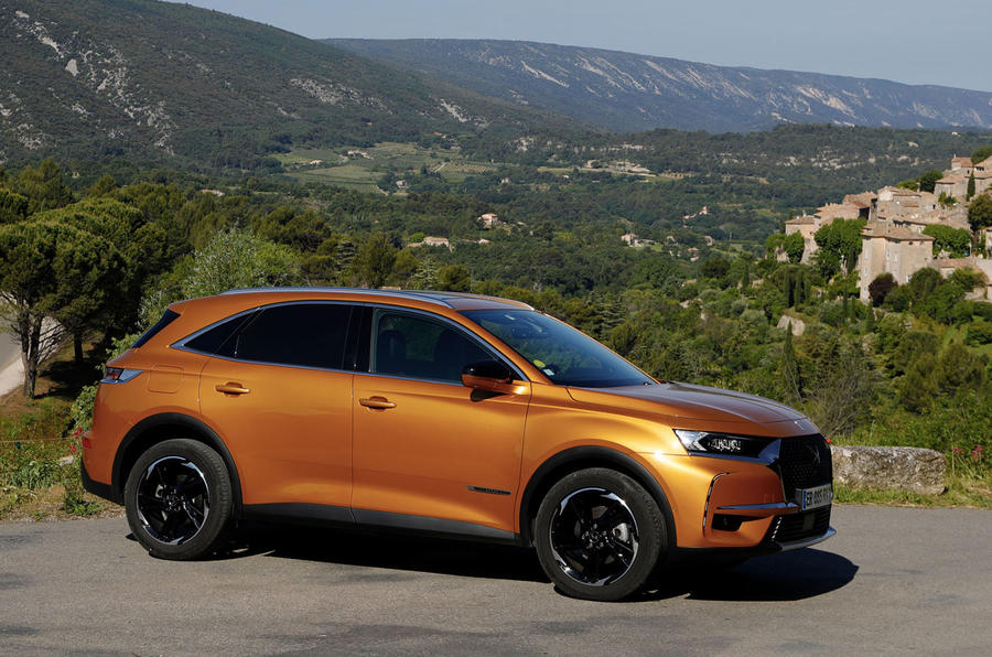 DS 7 Crossback PureTech 225 2018 review static side