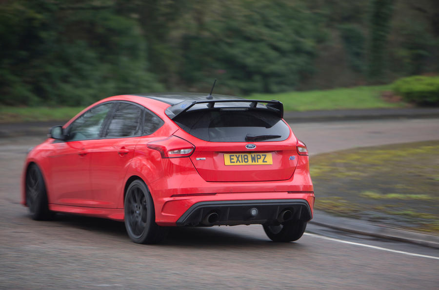 ford focus rs race red edition 2018 uk review autocar. Black Bedroom Furniture Sets. Home Design Ideas