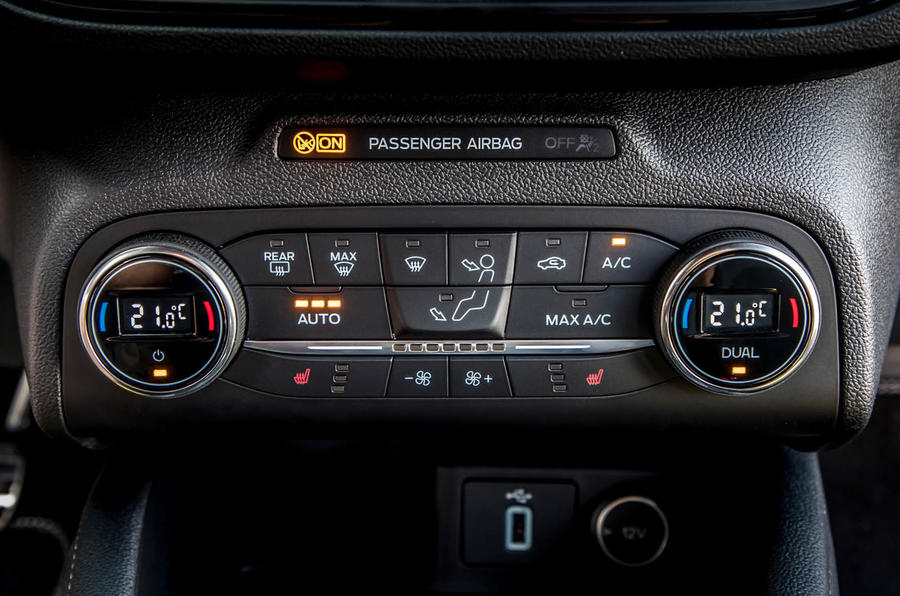 Ford Focus ST estate EcoBlue 2019 first drive review - climate controls