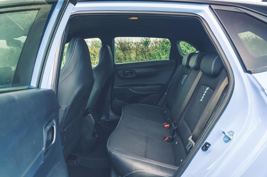 13 Hyundai i20N 2021 RHD UE FD sièges arrière
