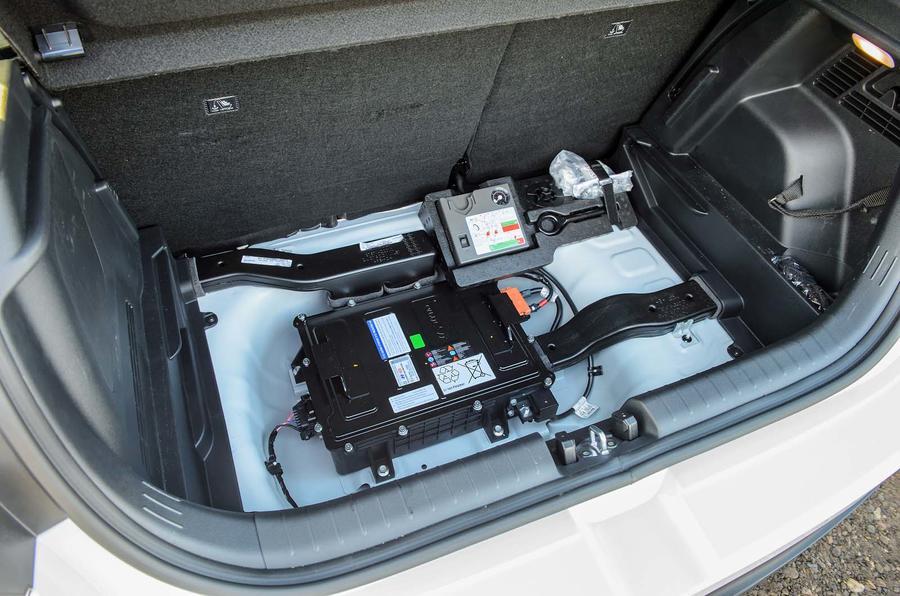 13 Hyundai i20N Line 2021 FD batterie mild hybrid