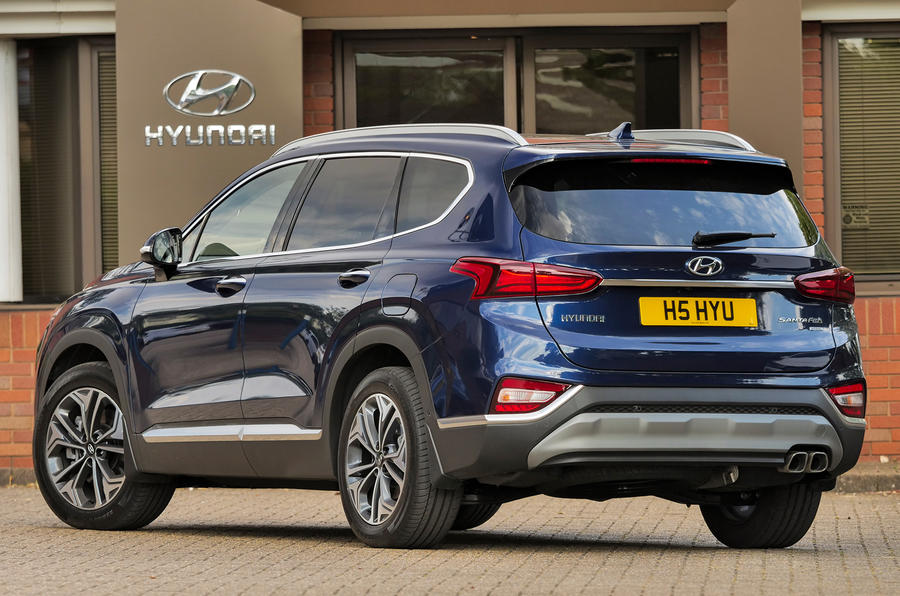 Hyundai Santa Fe 2018 UK first drive review - static rear