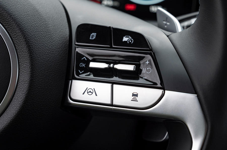 Hyundai Tucson 2020 UK first drive review - steering wheel buttons