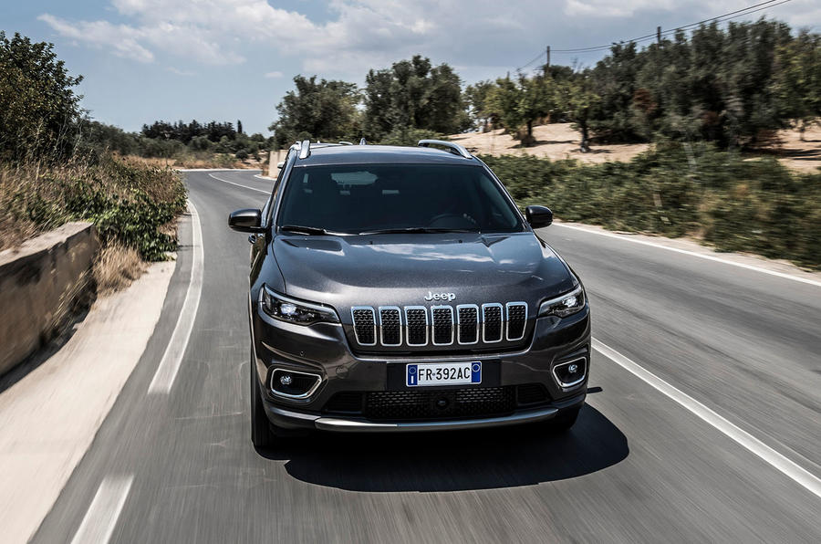 Jeep Cherokee Limited 2018 first drive review on the road