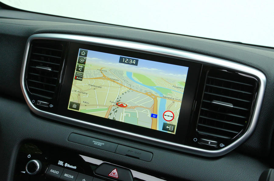 Kia Sportage GT-Line S 48V 2018 first drive review infotainment