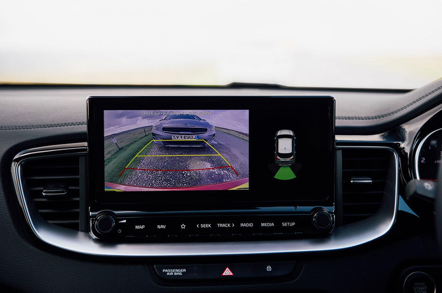 Kia Xceed 2020 UK first drive review - reversing camera