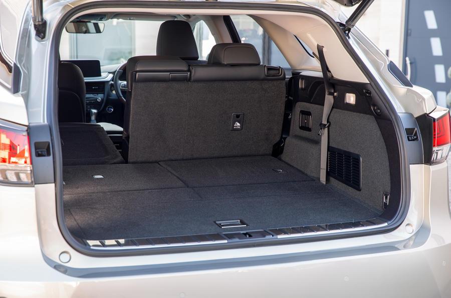 13 Lexus RX 450h L 2021 UE FD coffre à bagages