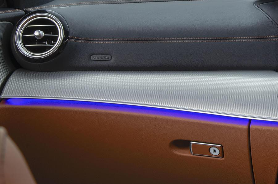 Mercedes-Benz E-Class E300de 2019 UK first drive review - interior trim