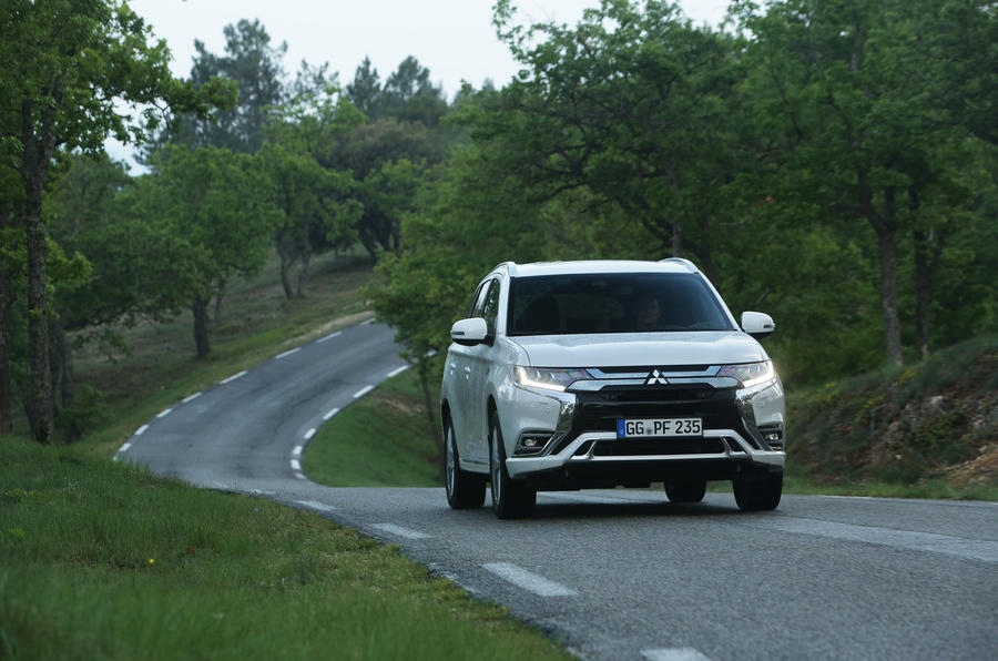 Mitsubishi Outlander PHEV 2018 first drive review on the road front