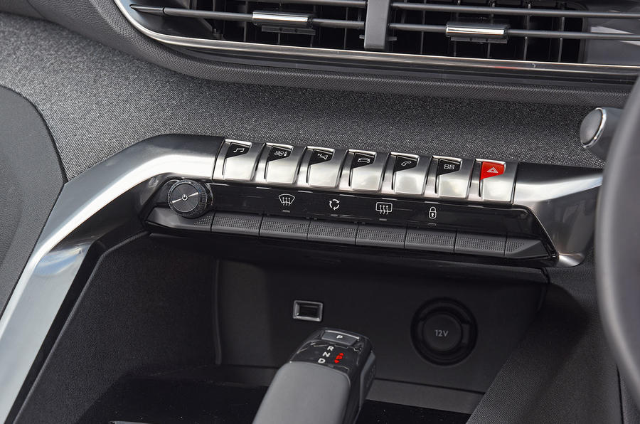 Peugeot 5008 2018 long-term review piano keys