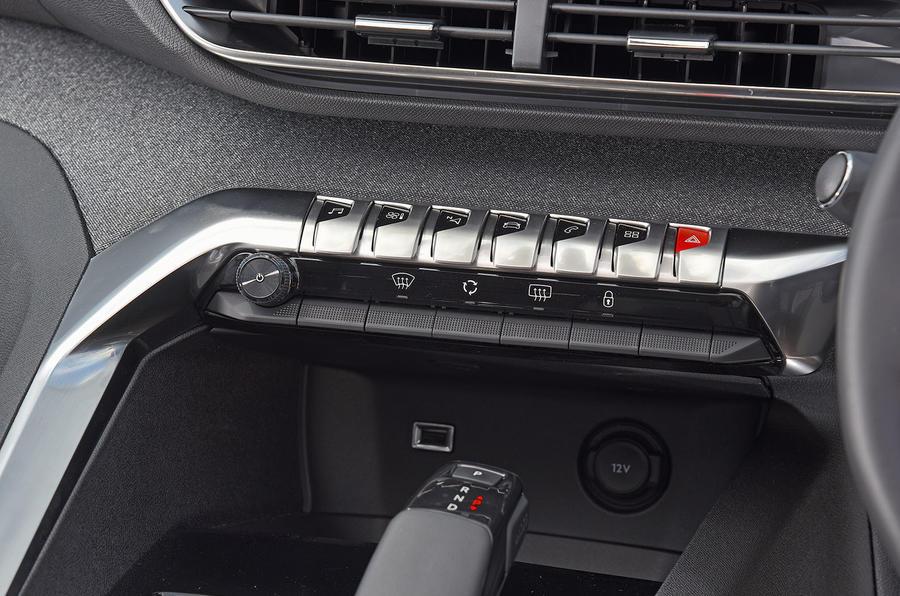 Peugeot 5008 2018 long-term review piano keys