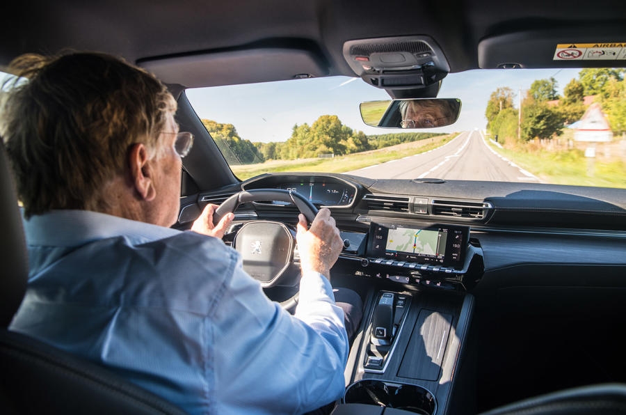 Peugeot 508 - driving