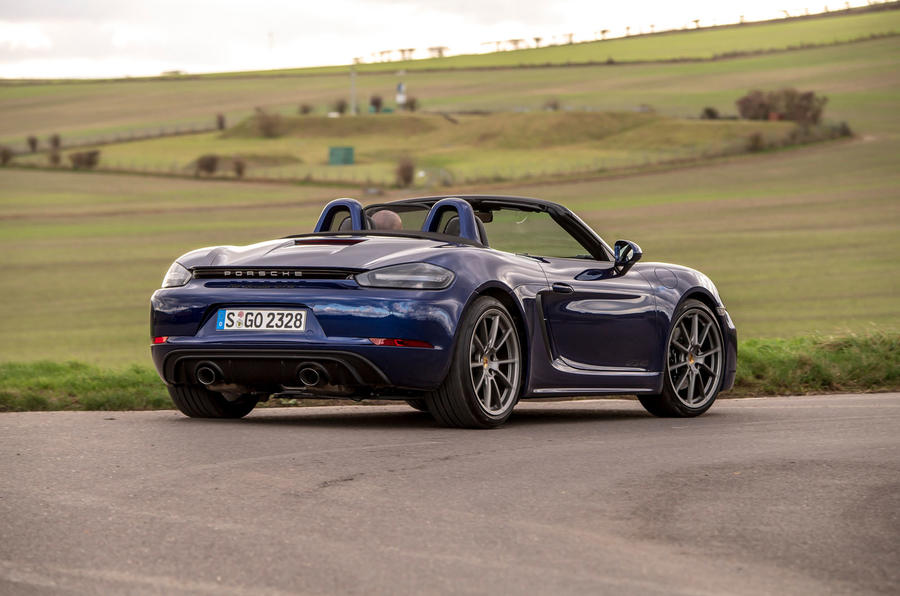 Porsche 718 Boxster GTS 4.0 PDK 2020 UK first drive review - cornering rear