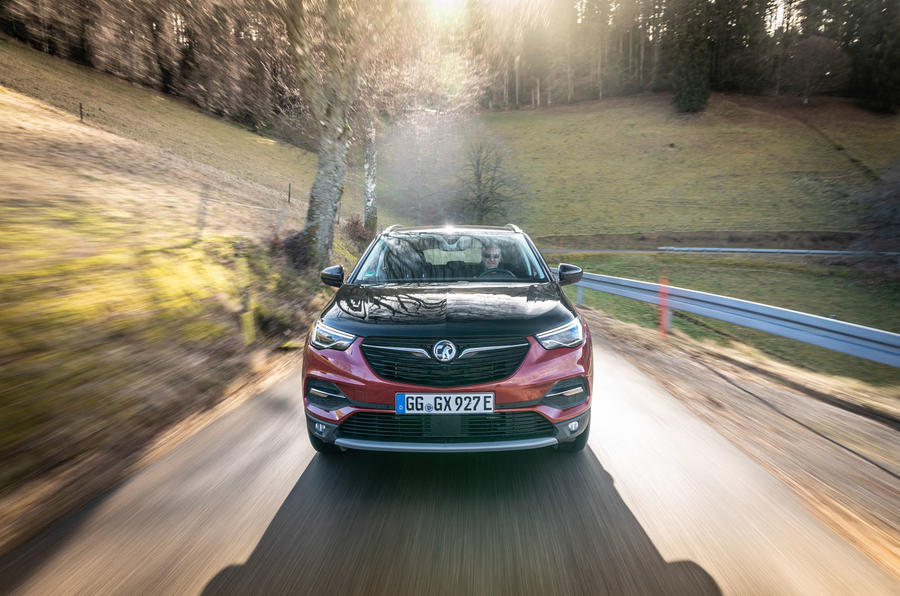 Vauxhall Grandland X Hybrid4 2020 first drive review - on the road nose