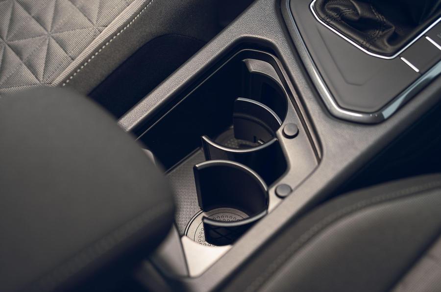 Volkswagen Tiguan Life 2020 : premier bilan de conduite au Royaume-Uni - console centrale