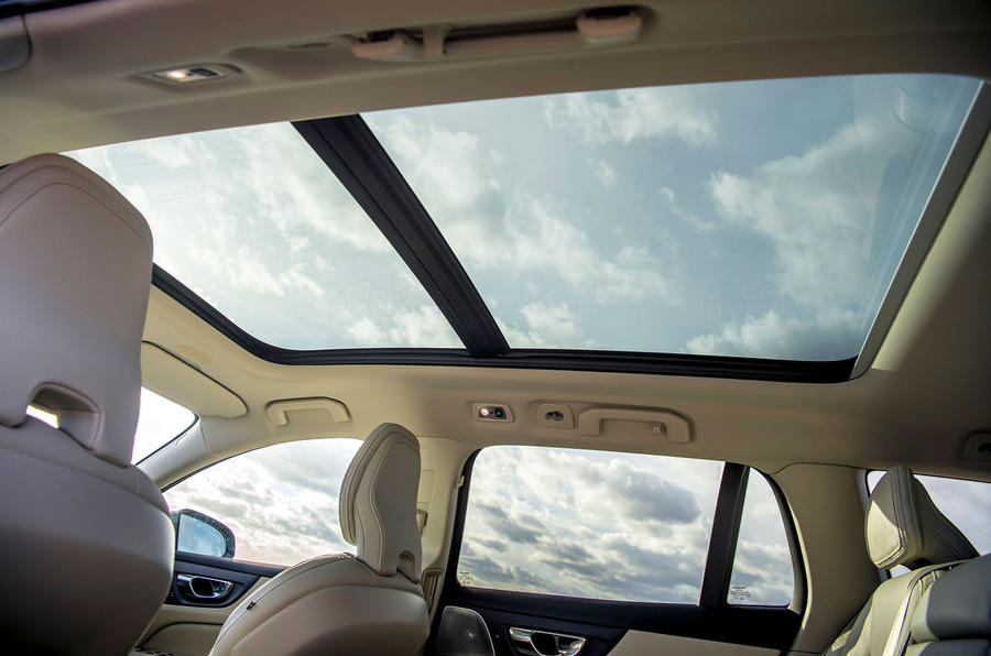 Volvo V60 Cross Country 2019 UK first drive review - sunroof