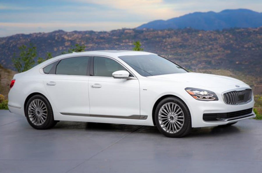 New Kia K900 US flagship demonstrates brand's future tech