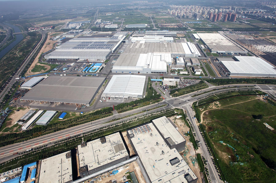 Daimler builds battery factory in China to meet EV demand