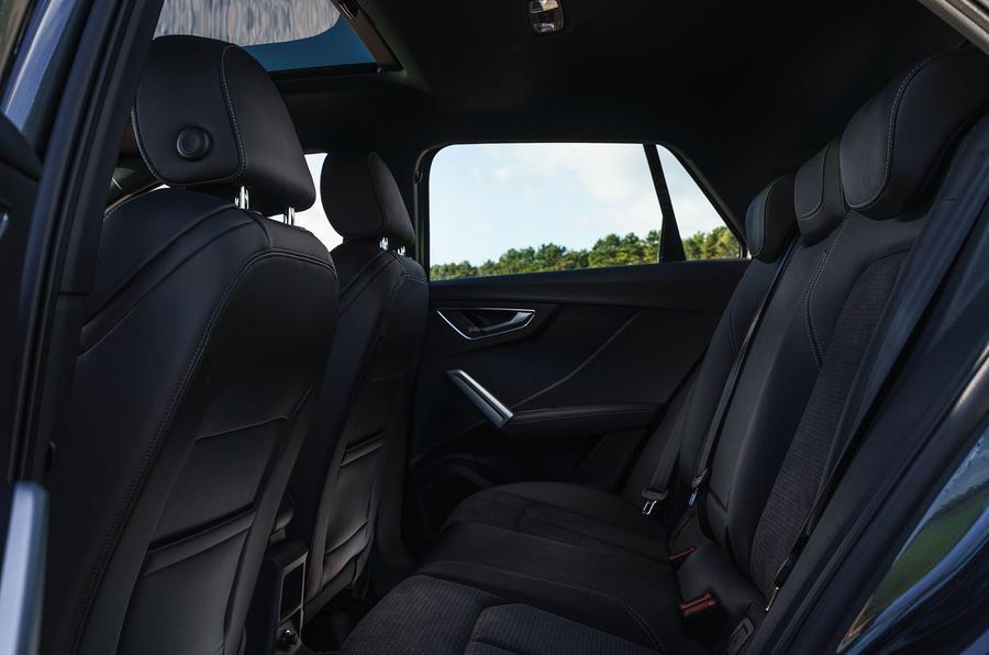 Audi Q2 35 TFSI Sport 2020 : premier bilan de conduite au Royaume-Uni - sièges arrière