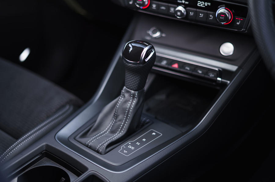 Audi Q3 Sportback 2019 UK first drive review - gearstick