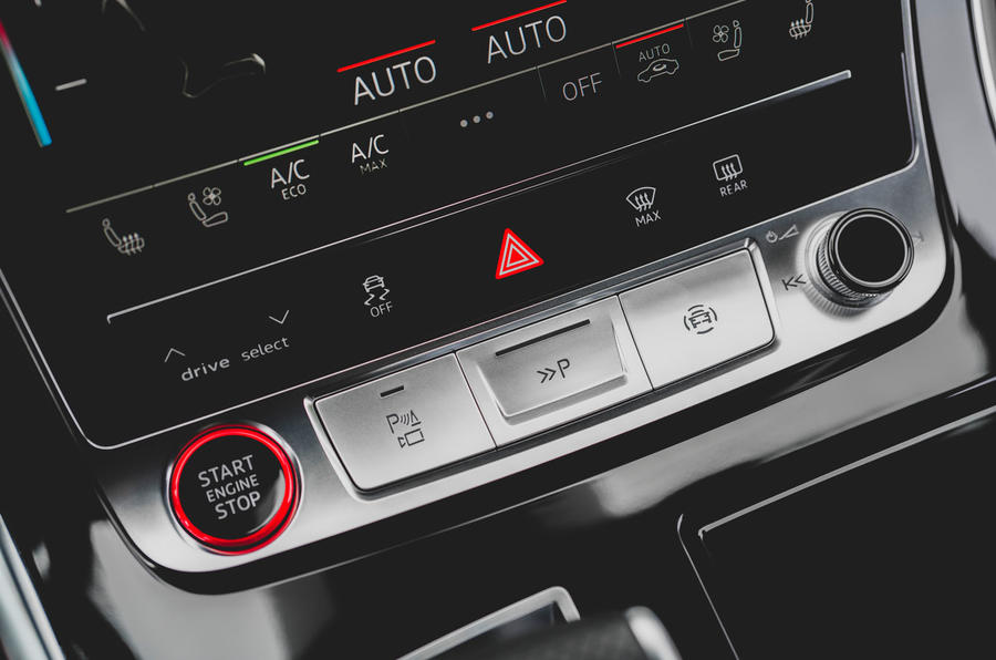 Audi SQ7 2020 first drive review - drive mode select