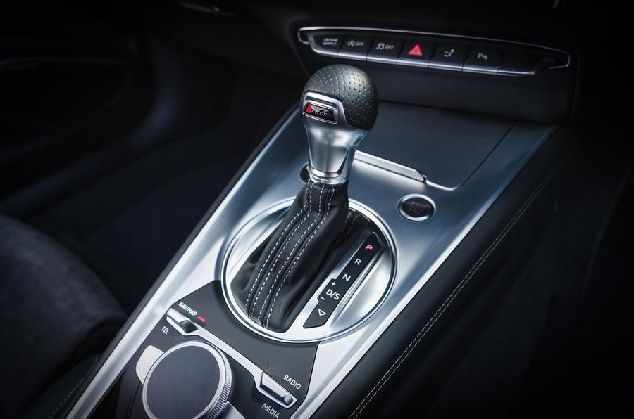 Audi TT Roadster 2019 UK first drive review - gearstick