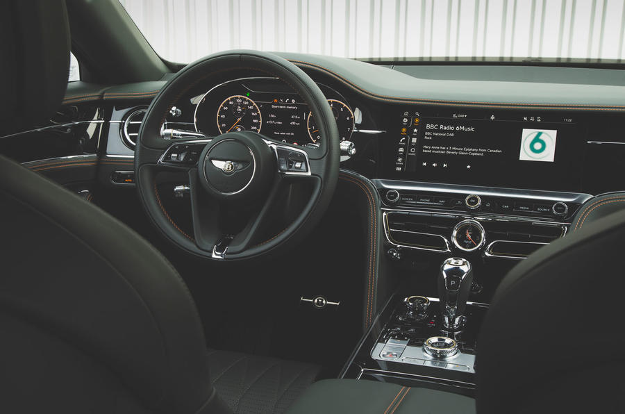 Bentley Flying Spur 2020 : premier bilan de la conduite au Royaume-Uni - le volant