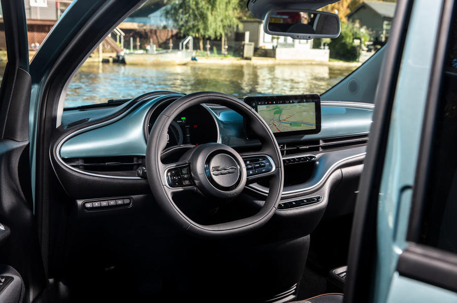 2021 Fiat 500 electric left-hand drive UK review - dashboard