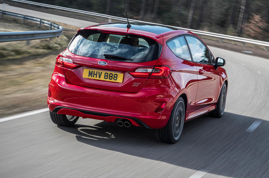 Ford Fiesta ST 2018 review cornering rear
