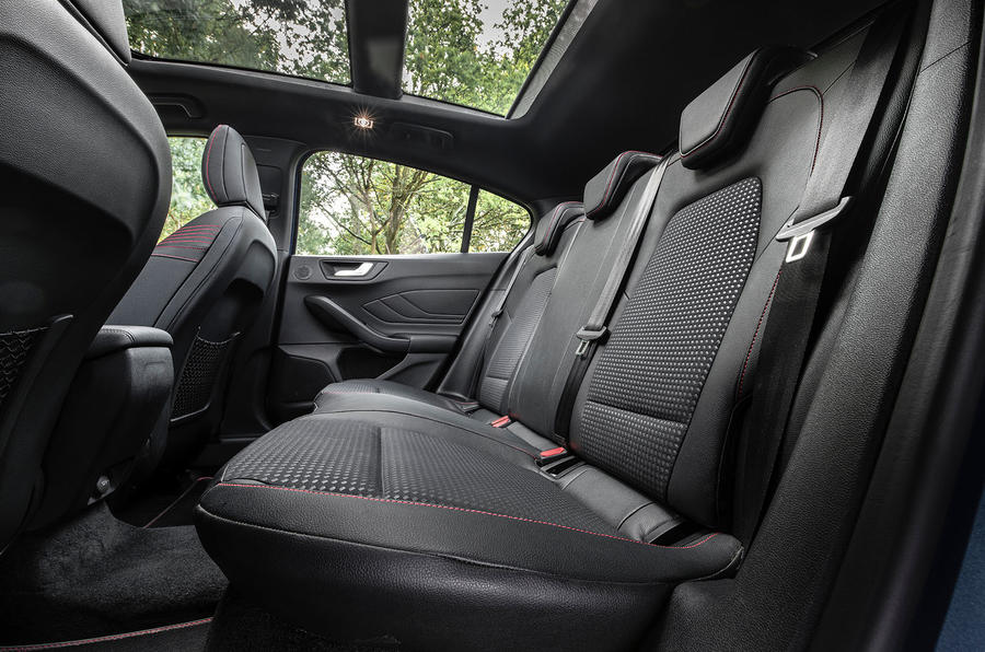 Ford Focus ST-Line 182PS 2018 UK first drive review - rear seats