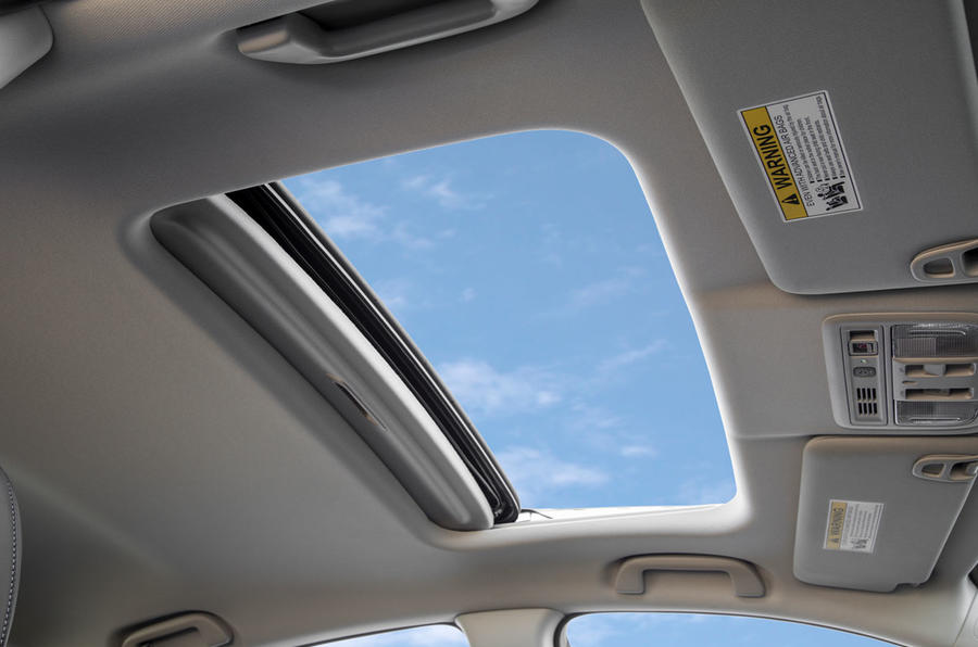 Honda Insight 2019 first drive review - sunroof